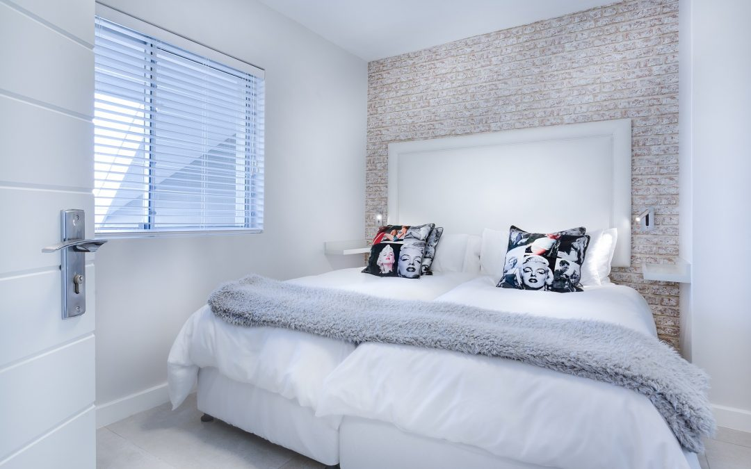 Decorate Your White Bedroom with Modern Thoughts